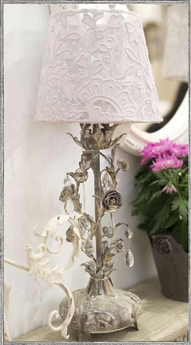 abat jour blanc dentelle coquecigrues le monde de rose. Black Bedroom Furniture Sets. Home Design Ideas