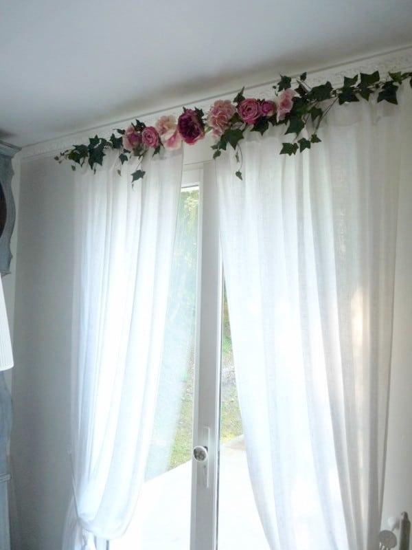 cantonni re rideaux guirlandine shabby roses et pivoines le monde de rose. Black Bedroom Furniture Sets. Home Design Ideas