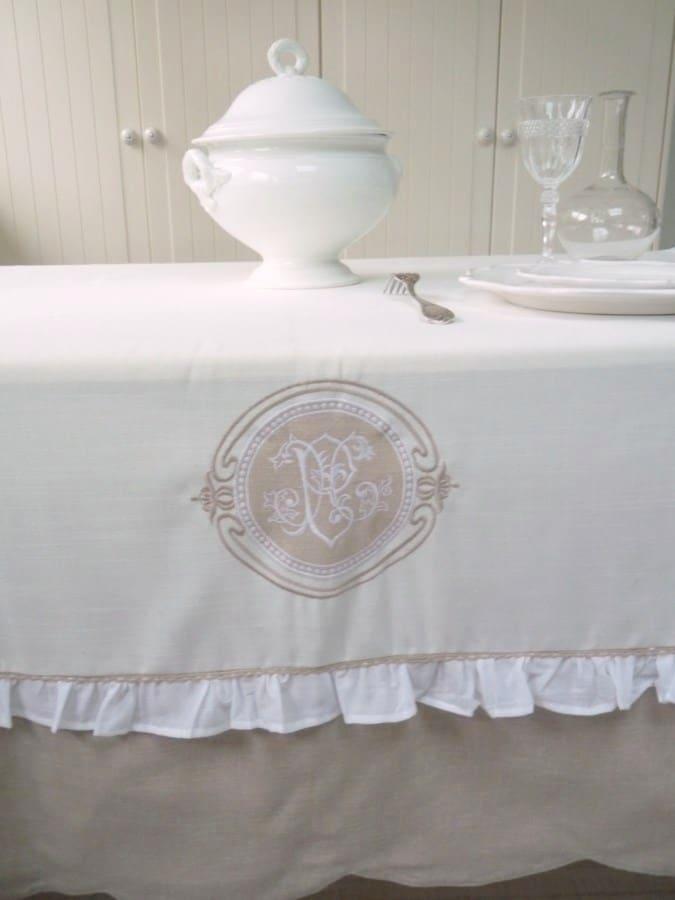 nappe brod e mod le hortense le monde de rose. Black Bedroom Furniture Sets. Home Design Ideas