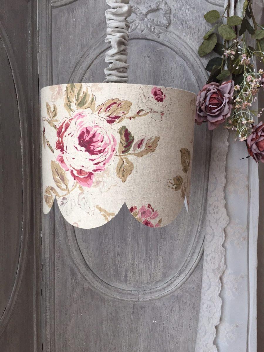 suspension rose poudr e en lin festonn e shabby le monde. Black Bedroom Furniture Sets. Home Design Ideas