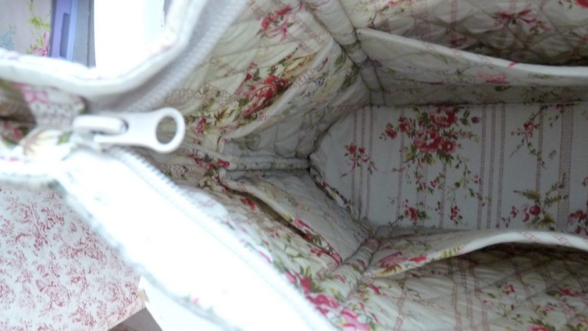 sac en boutis mod le roses anciennes le monde de rose. Black Bedroom Furniture Sets. Home Design Ideas