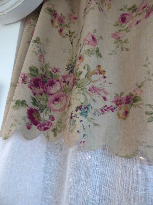 roses anciennes rideau festonn campagne 140x260cm le monde de rose. Black Bedroom Furniture Sets. Home Design Ideas