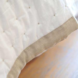 Couvre-lit MARION blanc bord naturel