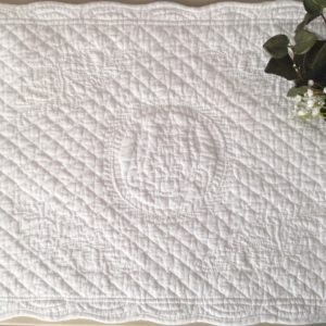 Set de table boutis Modèle ISLE SUR LA SORGUE blanc