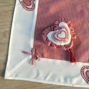 nappe vichy rouge décoration chalet