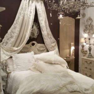 Ciels de lits et Frontons