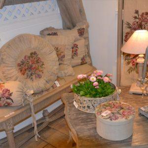 Chaises, fauteuils, tabourets et banquettes