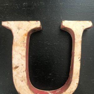 Lettre U en métal