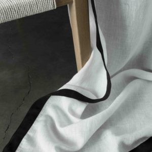 Rideau NICE lin lavé blanc bords noirs 140x270cm