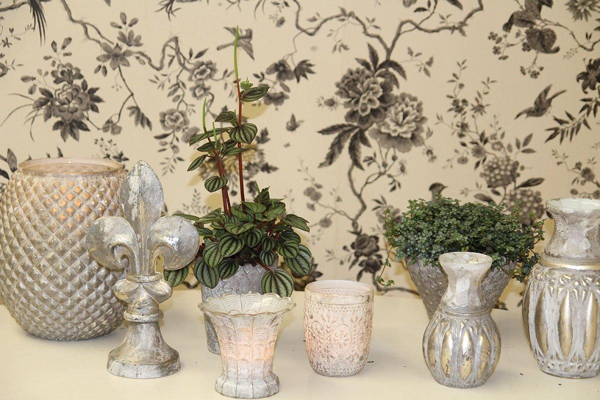 vase baroque collection le monde de rose. Black Bedroom Furniture Sets. Home Design Ideas
