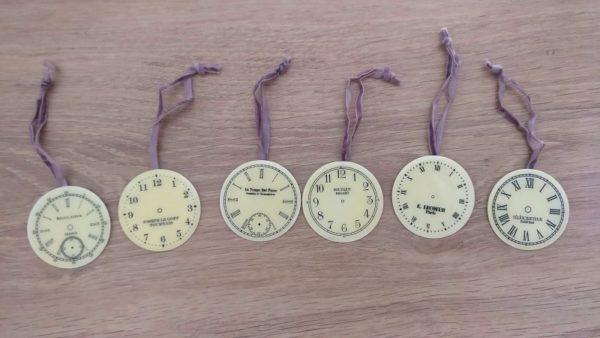 Set de mini horloges à suspendre Modèle 2