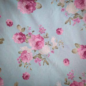 Tissu shabby motif grandes fleurs fond bleu détail largeur 280 cm
