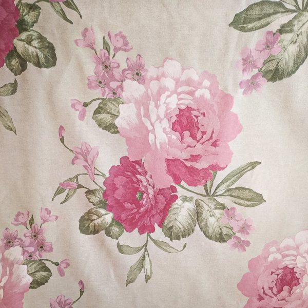 Tissu shabby motif grandes fleurs fond lin largeur 140 cm