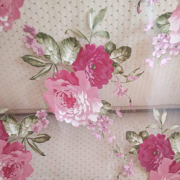 Voilage shabby détail motif roses grandes fleurs largeur 280 cm